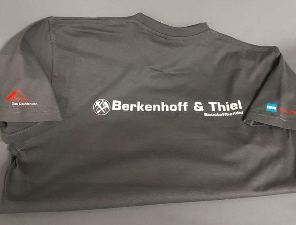 T-Shirt-bedrucken mit Firmenlogo Berkenhoff & Thiel Abteilung DACH